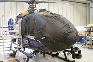 Ein Helikopter mit NVIS-Verkleidung EC 135